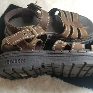 New Skechers Brown leather sandals